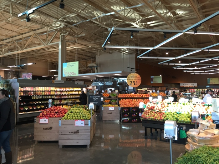 Mariano's deli and salad bar section in Orland Park